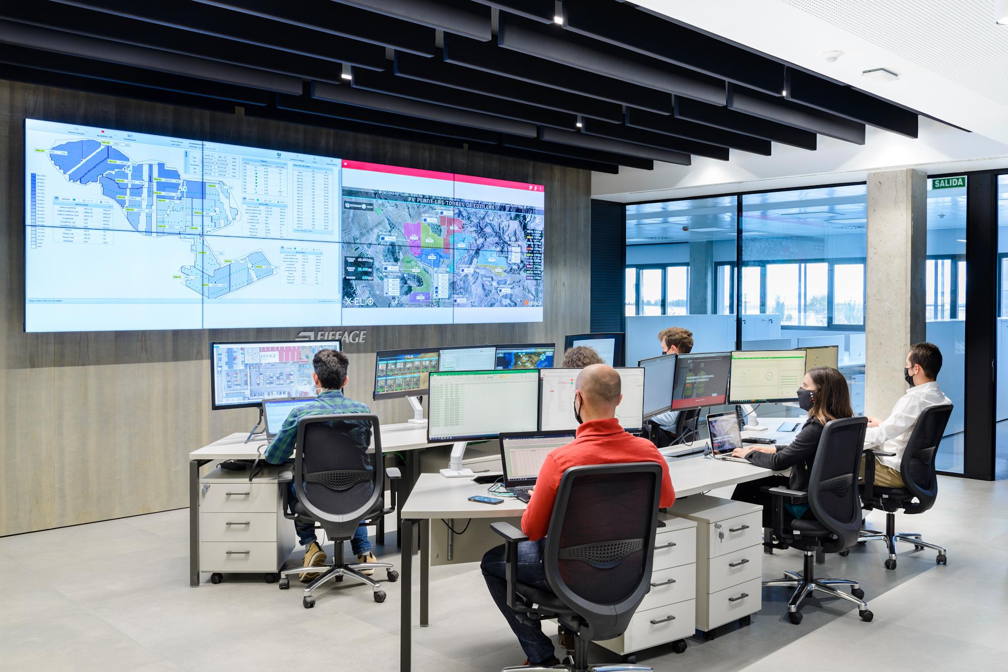 Eiffage Energía cuenta con un innovador centro de monitorización donde se controlan las plantas solares