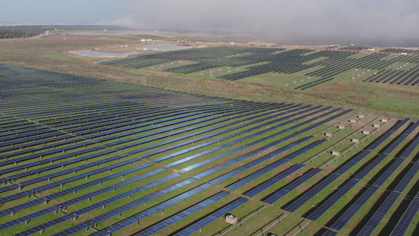 Eiffage Energía construye la planta fotovoltaica Ceclavín de 328MW para Iberdrola en Cáceres
